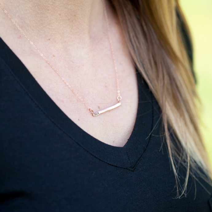 cross bar necklace - side view