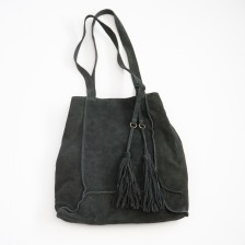 today holds adventure tote {shadow black}