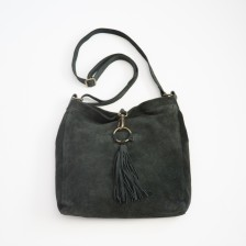 strong and brave crossbody {shadow black}