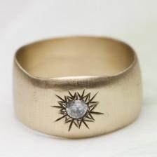 Sunburst Diamond Ring {10K Gold}