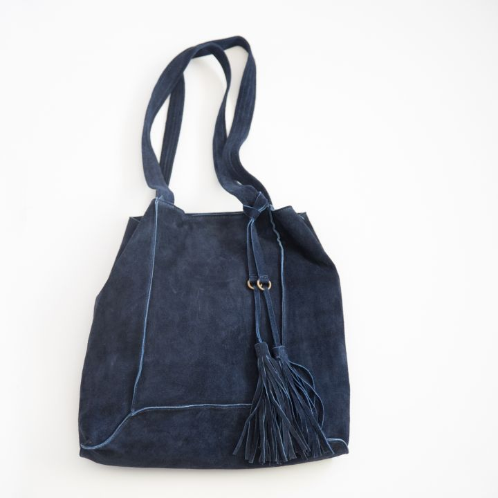 today holds adventure tote {midnight blue}