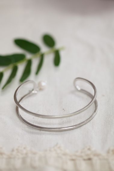 Parallel Lines Cuff With Pearl {Sterling Silver}