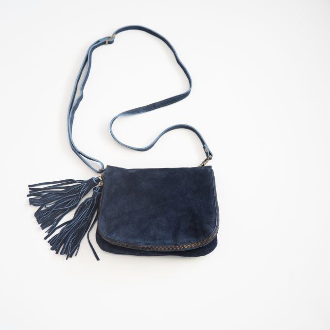 heart wide open crossbody {midnight blue}