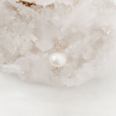 6mm Freshwater Pearl {Gold}