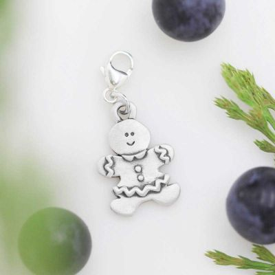 gingerbread mom bracelet charm with berries
