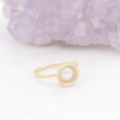 Nesting Freshwater Large Pearl Ring {10k Gold}